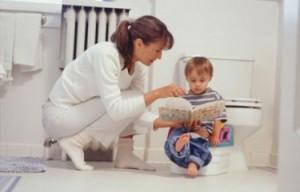 Что значит черные точки в кале ребенка грудничка