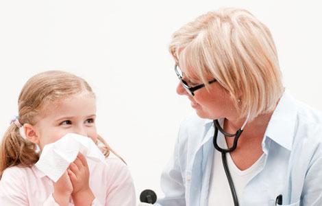 Экстренная помощь при кровотечении из носа у ребенка.