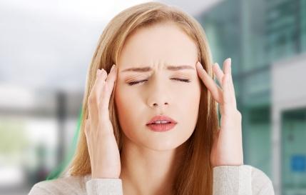 Болевые ощущения в голове при месячных