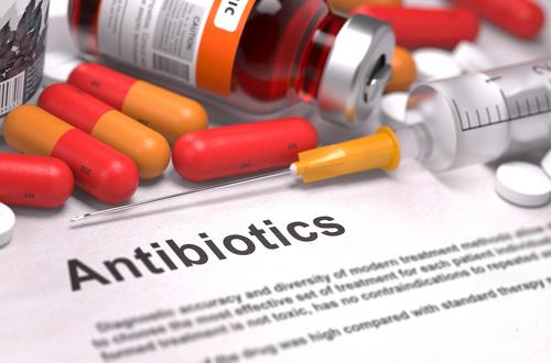 Болит голова от антибиотиков