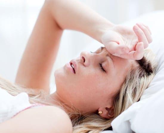 Голова болит и тошнит, что делать?
