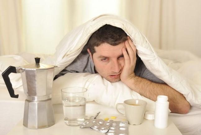Почему болит голова после алкоголя?