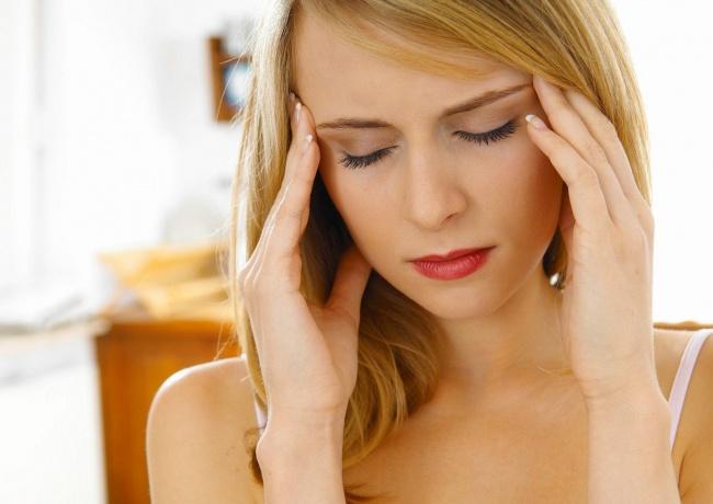 Почему у женщин болит голова